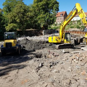 Erdarbeiten: Baugrubenaushub und Rückbau Wehranlage