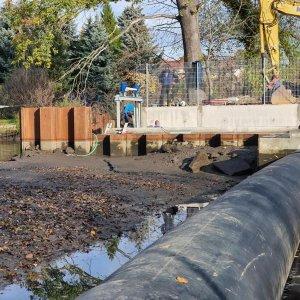 Wasserbauarbeiten, Herstellung einer Einlaufschützanlage